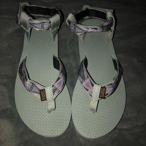 New! Teva Sandals